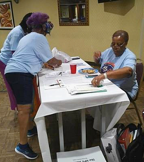 volunteers organizing